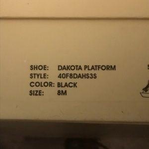 Michael Kors Dakota platform
